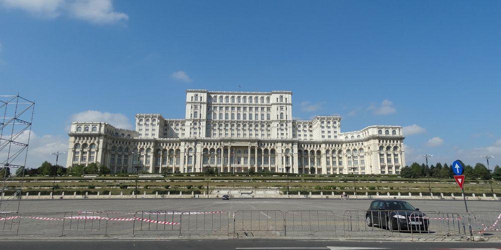 Bezoek het parlementspaleis van Roemenië tijdens je citytrip Boekarest
