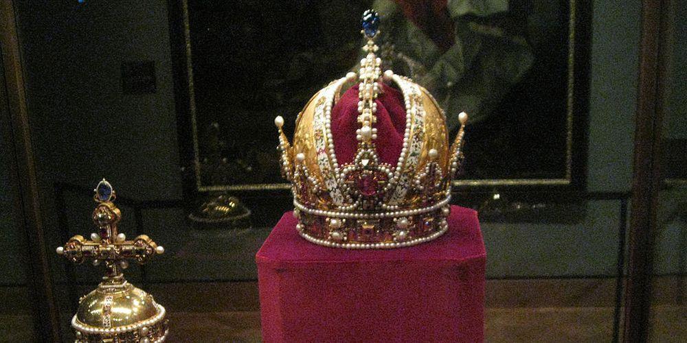 Kroon uit Museum de Schatkamer in Wenen